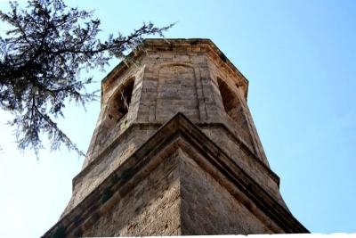 L'any 1819 es van culminar les obres del campanar neoclàssic (2015)