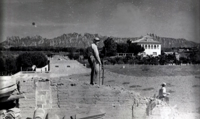 Vista de la Torre Solana des de la casa veïna, Cal Figueres (dècada de 1960)