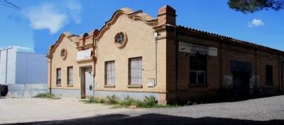Façana principal de la Fàbrica Nova, antigament propietat dels Ballesté (2015)