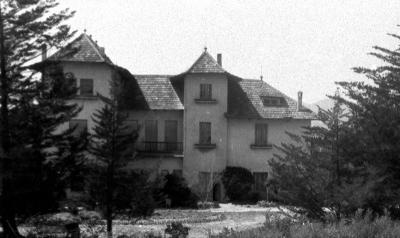 Façana posterior de la Torre des de les proxi- mitats de la via del tren (dècada de 1920)